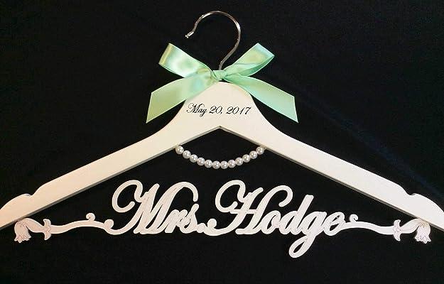 Wedding hanger, Bride pearl hanger, bride hanger, Personalized Hanger, Custom hanger, wedding gown hanger, wedding dress hanger