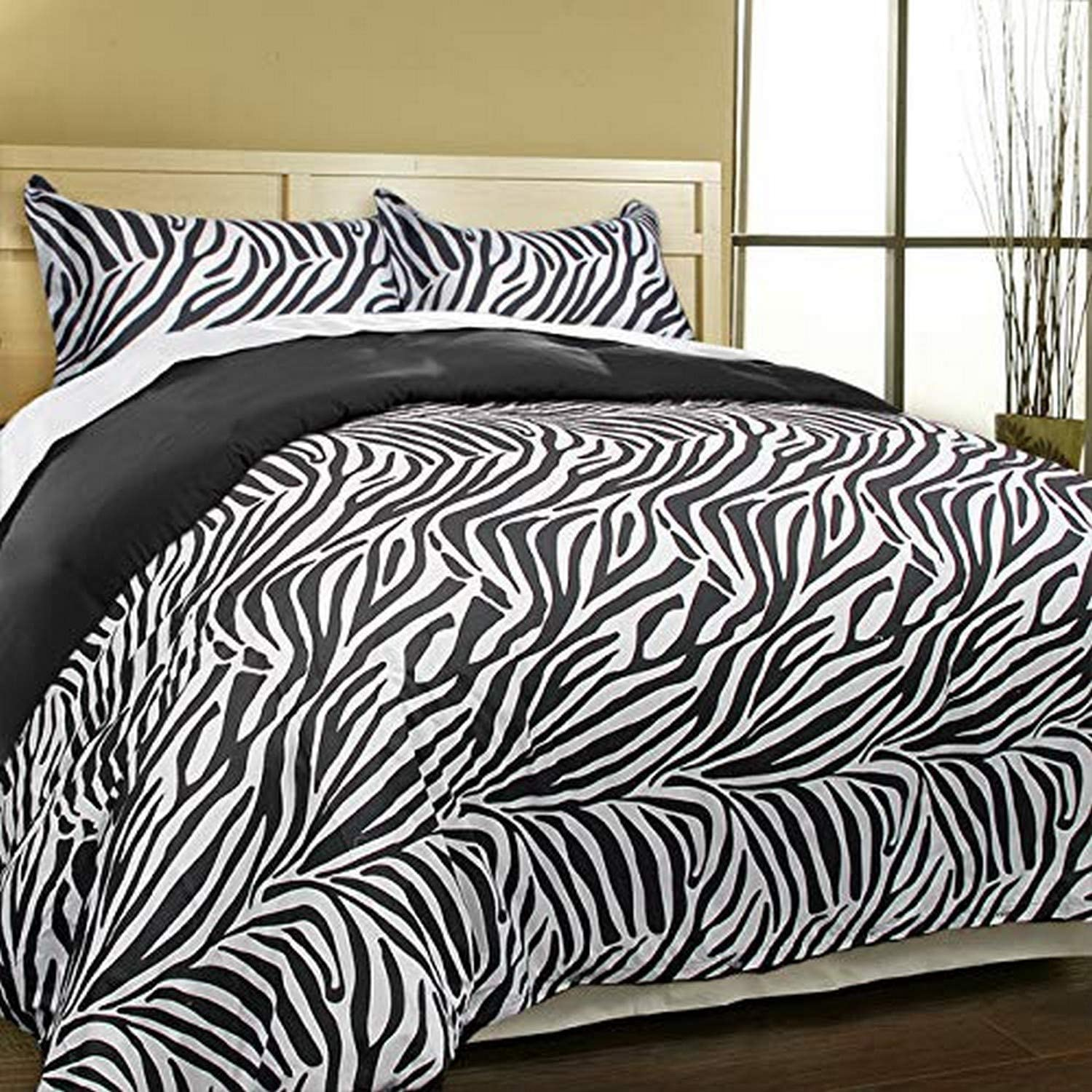 Blue Ridge Home Fashions Microifber Set King in Zebra Black Color Down Alternative COMFORTERS