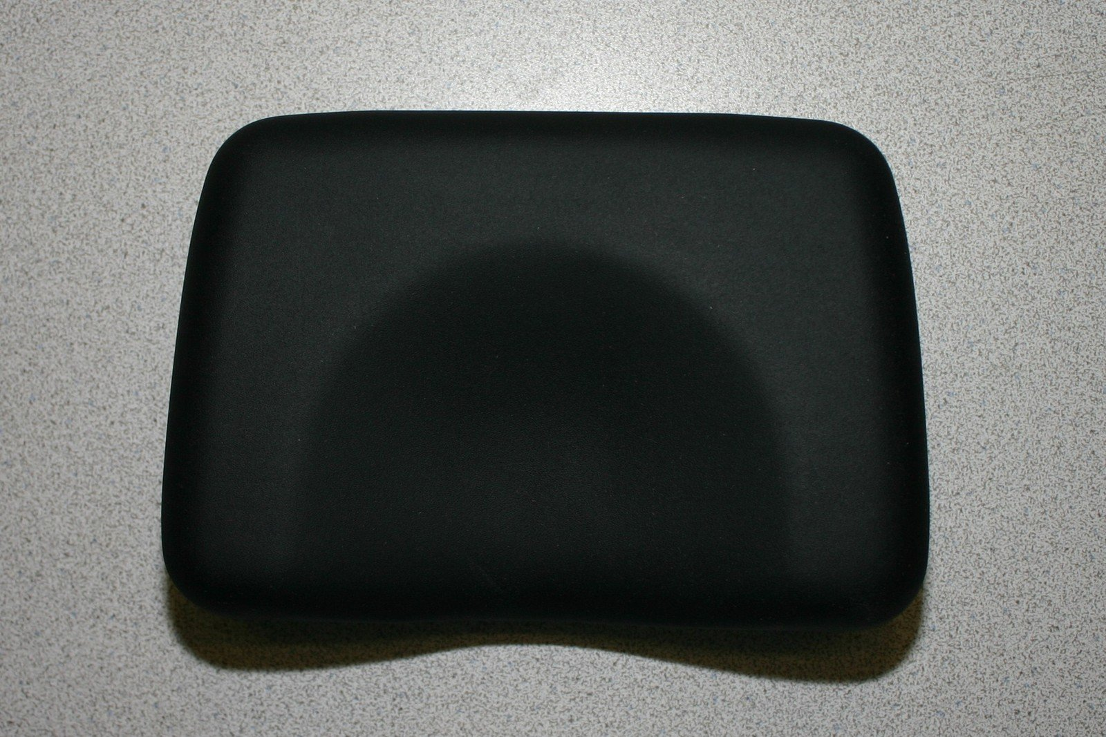 Deluxe Black Contour Tanning Bed Pillow Closed Cell