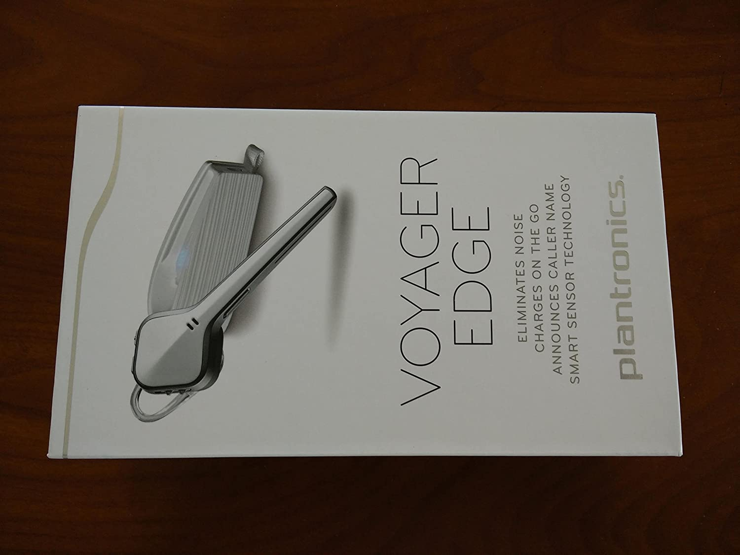 ef13c981346 Amazon.com: Plantronics Voyager Edge Wireless Bluetooth Headset with  Charging Case - Carbon Black: Cell Phones & Accessories