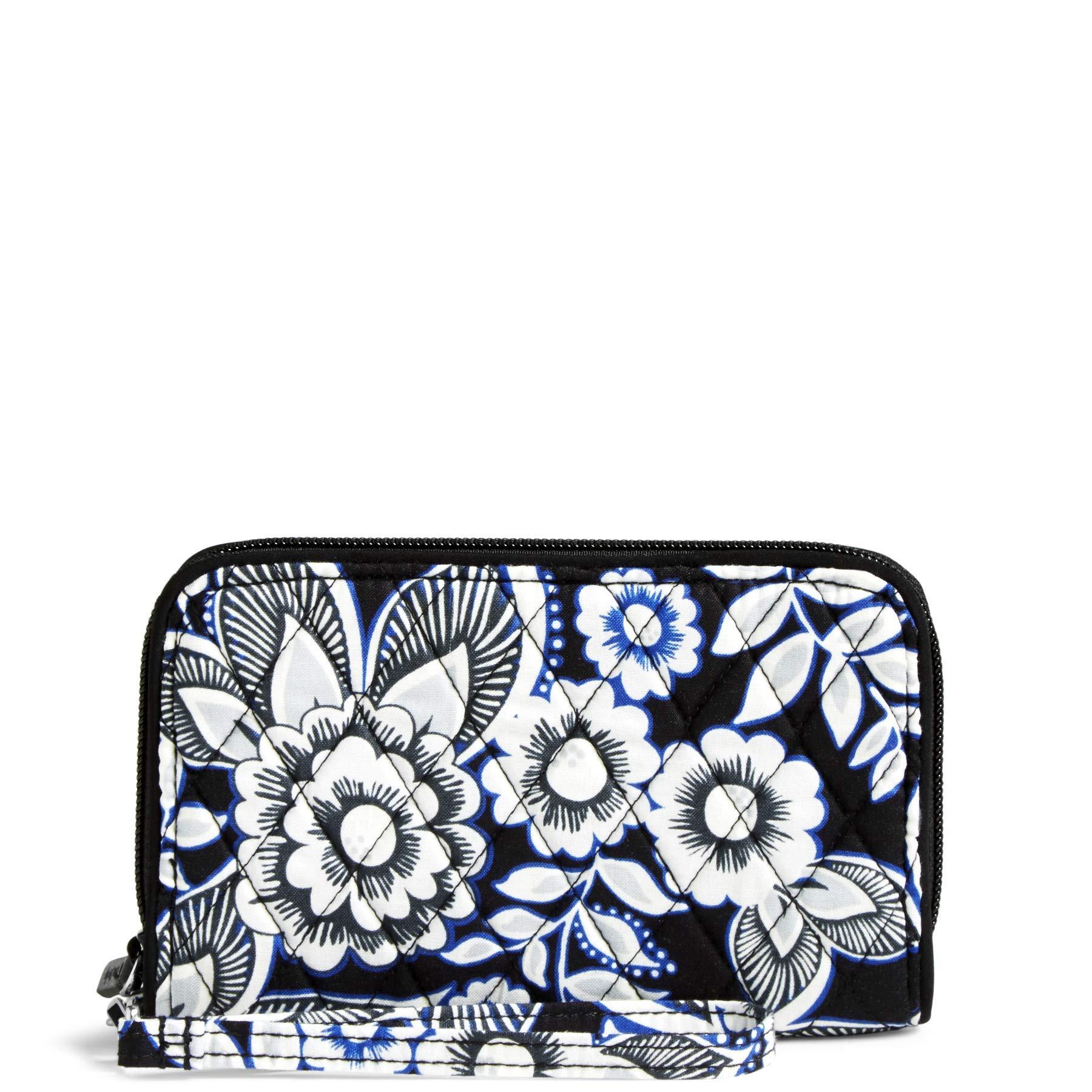 Vera Bradley RFID Grab & Go Wristlet, snow lotus
