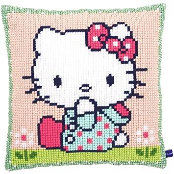 Amazon.com: Hello Kitty sobre el césped Cojín de punto de ...