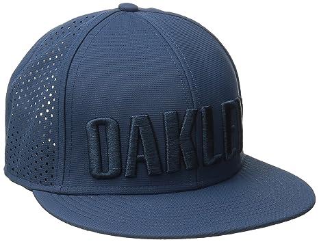 e832de550bc Amazon.com  Oakley Mens Octane Perf Adjustable Hat One Size Blue ...