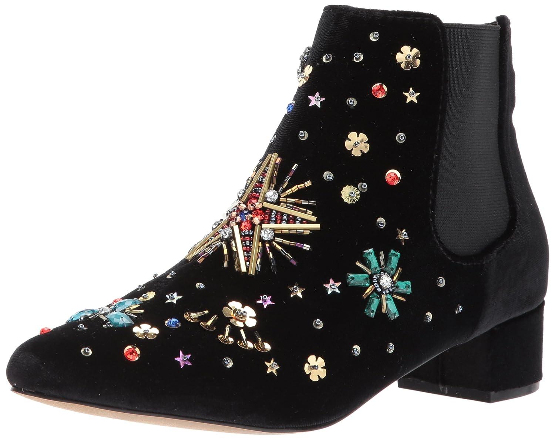 01fb31dddf Amazon.com: Betsey Johnson Women's Twiggy Fashion Boot: Shoes