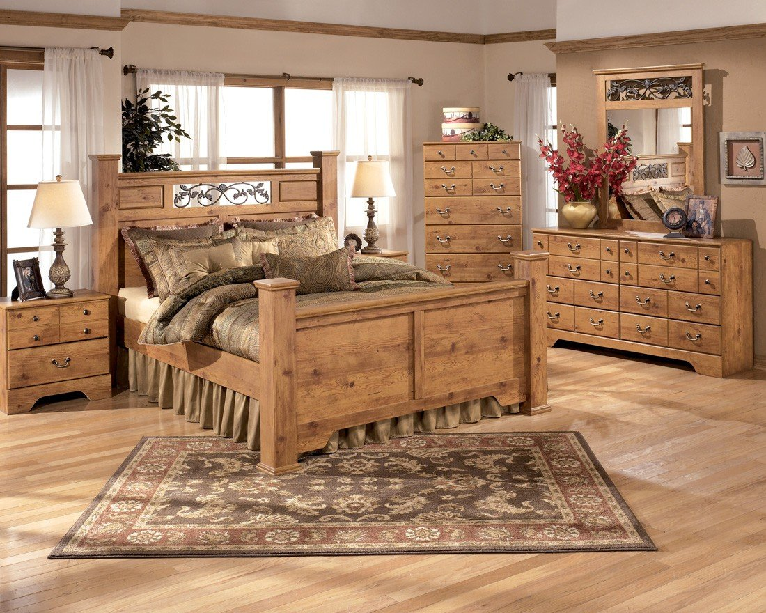 Amazon Com Ashley Bittersweet Queen Bedroom Set With Poster Bed