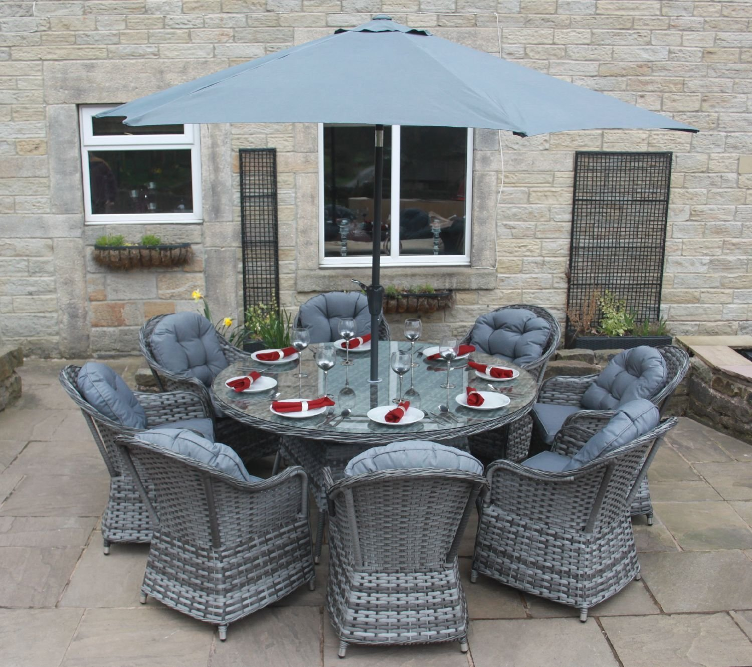 Luxury Grey Rattan Garden Furniture 8 Seat Round Dining Set with Parasol   Amazon co uk  Garden   Outdoors. Luxury Grey Rattan Garden Furniture 8 Seat Round Dining Set with