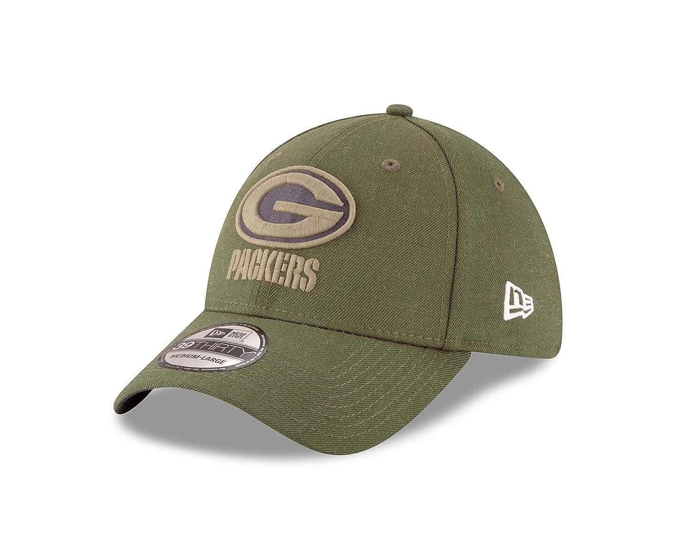39c6b39403440 Amazon.com   New Era Mens NFL 2018 Salute to Service 39Thirty Flex Fit Hat    Clothing