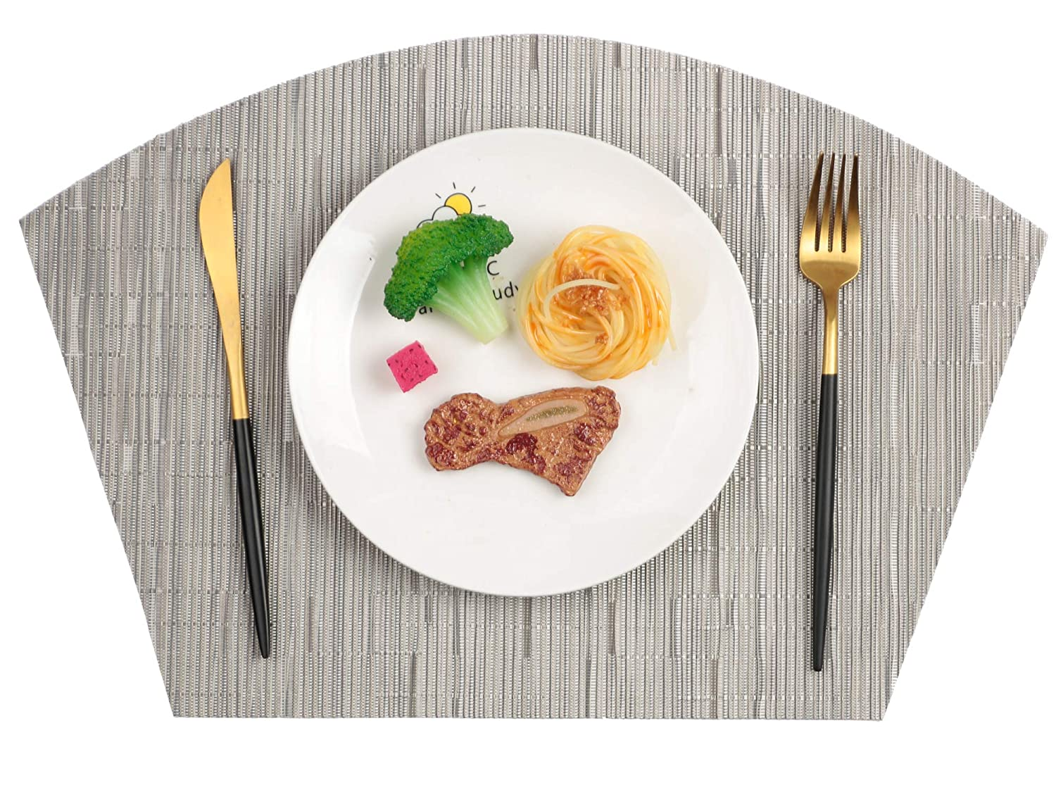 Famibay PVC Wedge Placemats Set of 6 and Table Mats Center Stain Resistant Washable Placemats for Table