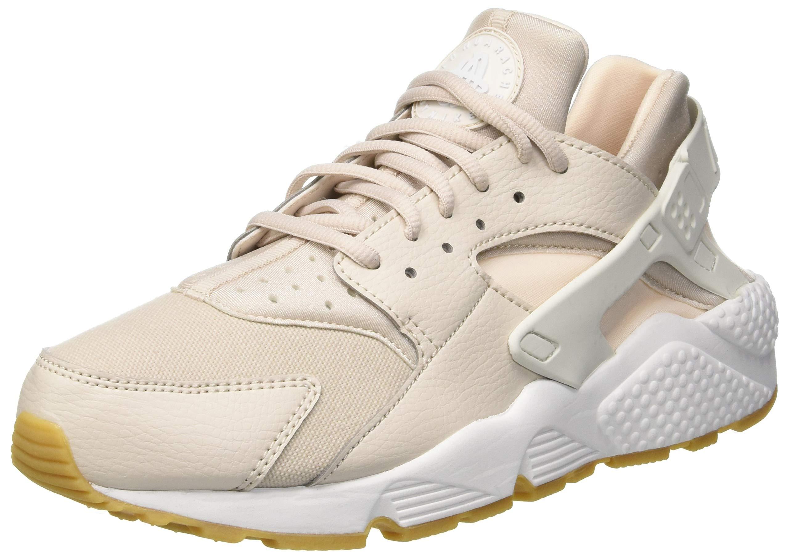 Nike Women's Air Huarache Run Gymnastics Shoes, Beige (Desert Sand/Summit White/Guava 034), 4 UK