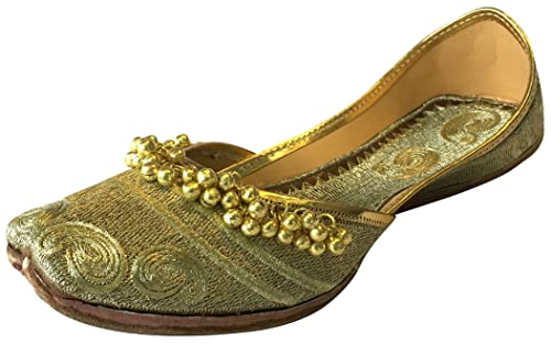 12bed36a73ea Step n Style Women s Gold Ghungroo Punjabi Jutti Khussa Shoes Ethnic Mojari  Flat Ballet  Buy Online at Low Prices in India - Amazon.in