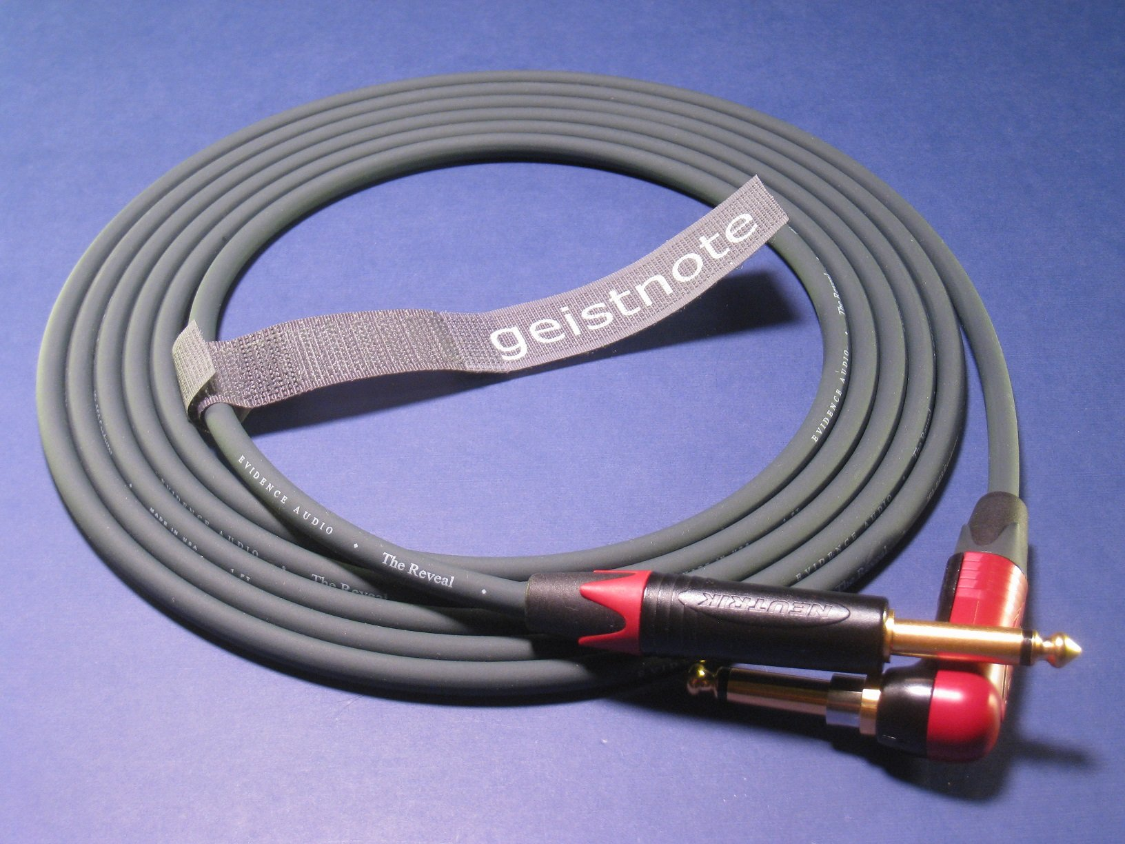 Geistnote's Evidence Audio Reveal Instrument Cable with Neutrik Silent Plug and Gold Connectors 17 Ft (5 M) ~ Right Angle to Straight