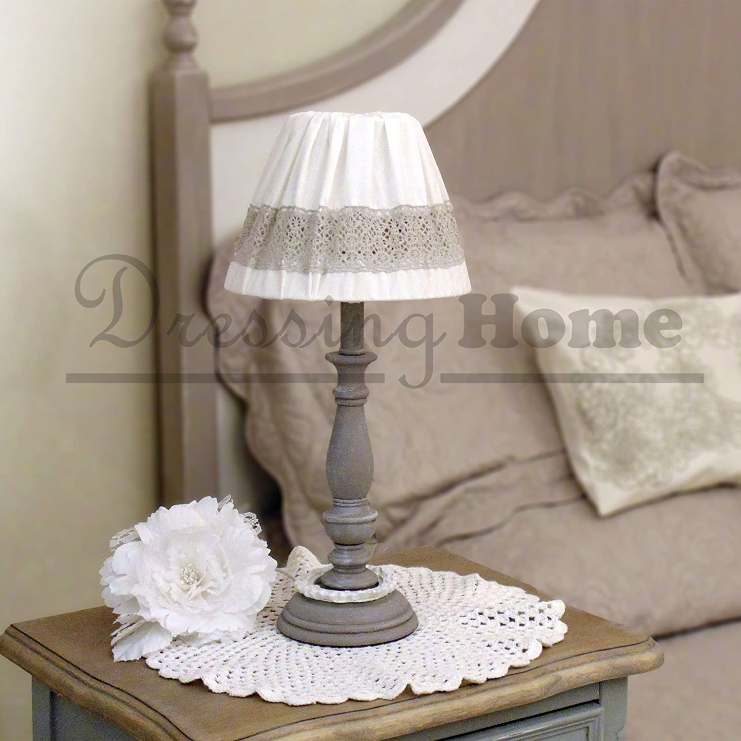lampe de chevet anglais ces abatjour doivent rejoindre des lampes de chevet en bronze patines. Black Bedroom Furniture Sets. Home Design Ideas