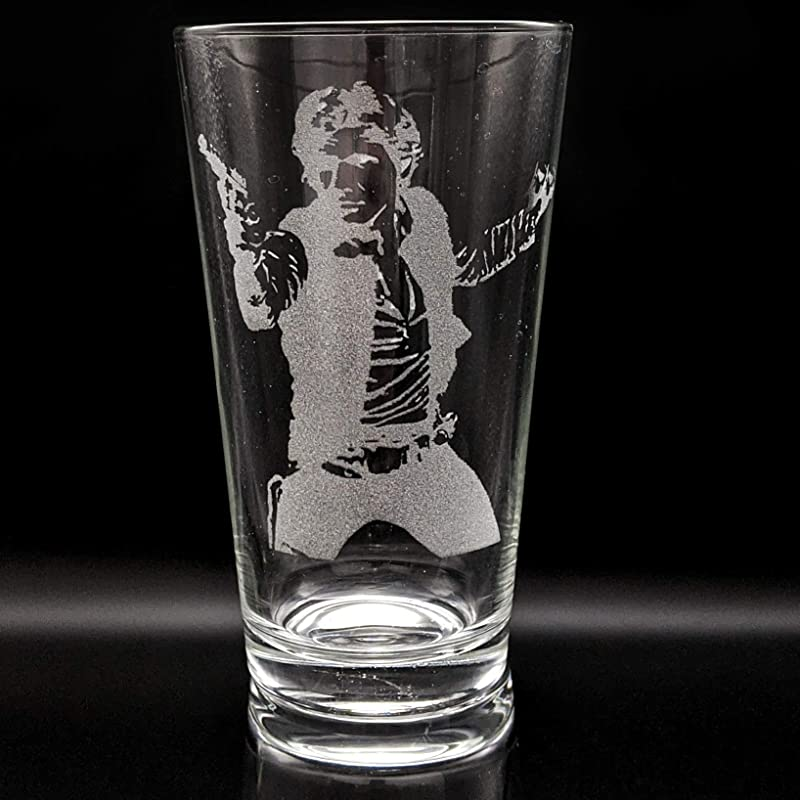 Personalised glass beer glass Star Wars Yoda Etched pint glass.138