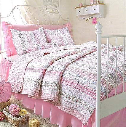 Romantic Chic Lace Quilt Set (Pink, Twin Size)