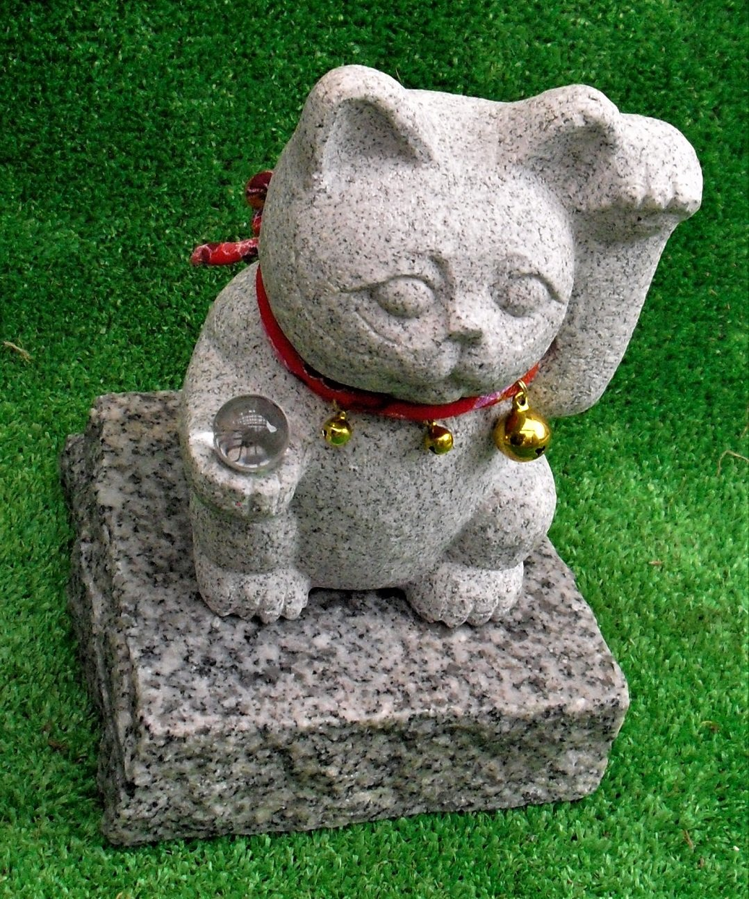 笑福開運!御影石招き猫【風水20㎜本水晶】高さ約25㎝。御影石。 B079QTP7NM