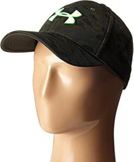 70c8b25bf5e Amazon.com  Under Armour Men s Blitzing II Stretch Fit Cap  UNDER ...