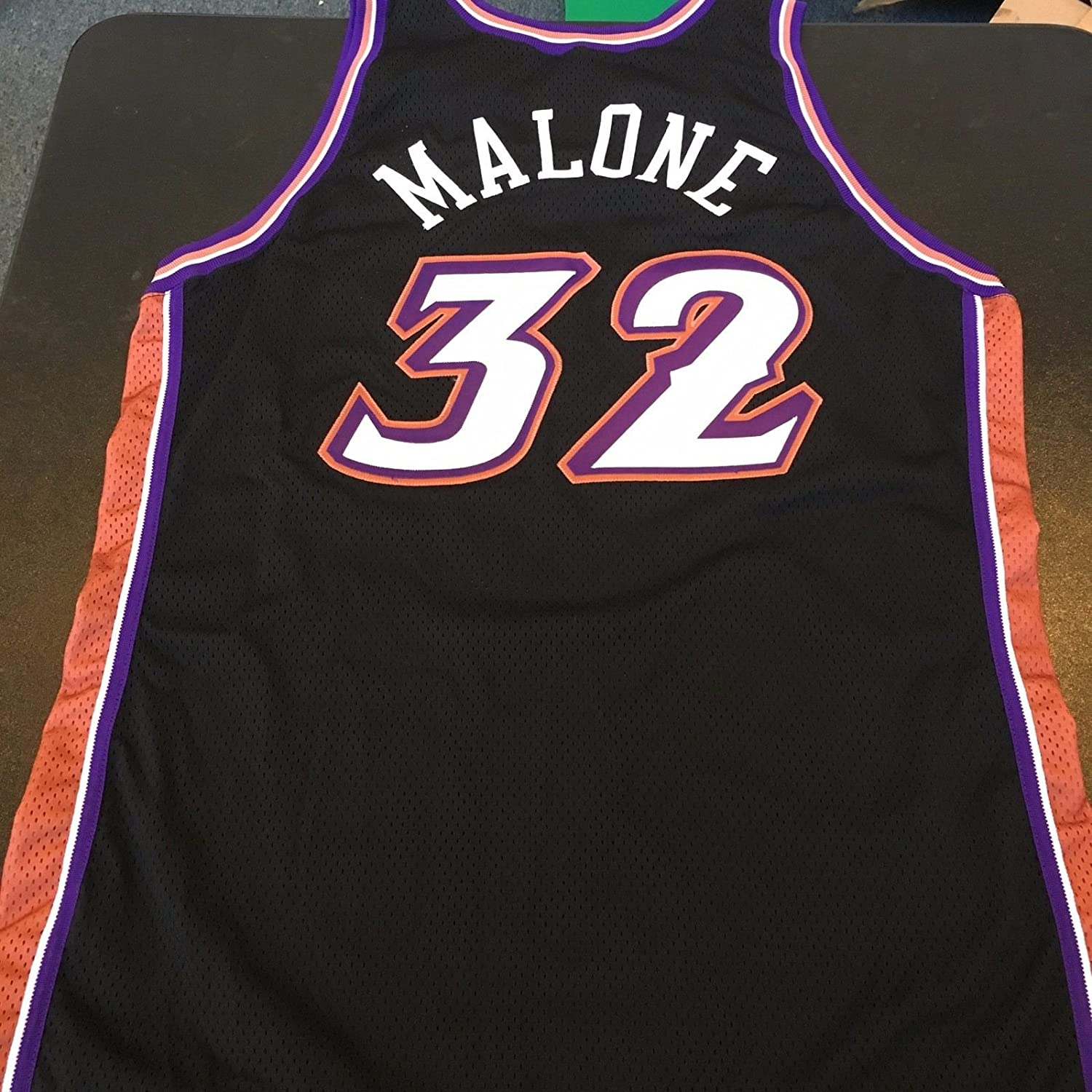 ... Rare 1999-2000 Karl Malone Utah Jazz Game Used Jersey With Certificate  COA at Amazons ... 9ef965014