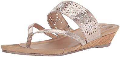 e8d3281ade Kenneth Cole Reaction Women's Chime Low Thong Wedge Sandal, Rose Gold, ...