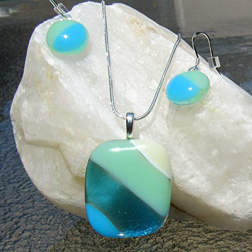 Amazon ocean beach glass pendant fused glass necklace and ocean beach glass pendant fused glass necklace and earrings turquoise blue sea glass jewelry aloadofball Image collections