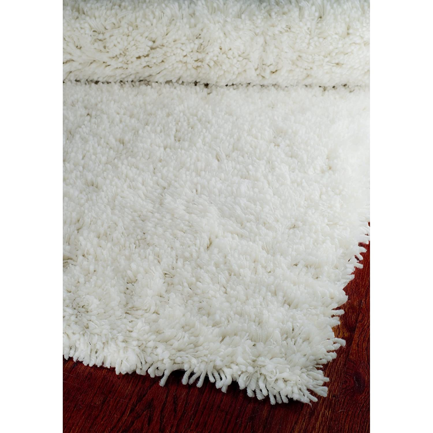 Amazon.com: Safavieh Classic Shag Collection SG240A Handmade White Area Rug  (5u0027 X 8u0027): Kitchen U0026 Dining