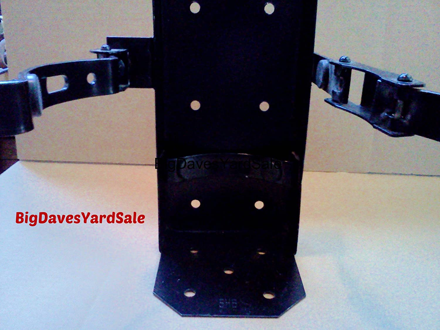 (Lot of 1) Universal Running Board Vehicle Bracket for a 20lb. Fire Extinguisher, Heavy Duty, Color Black Amerex