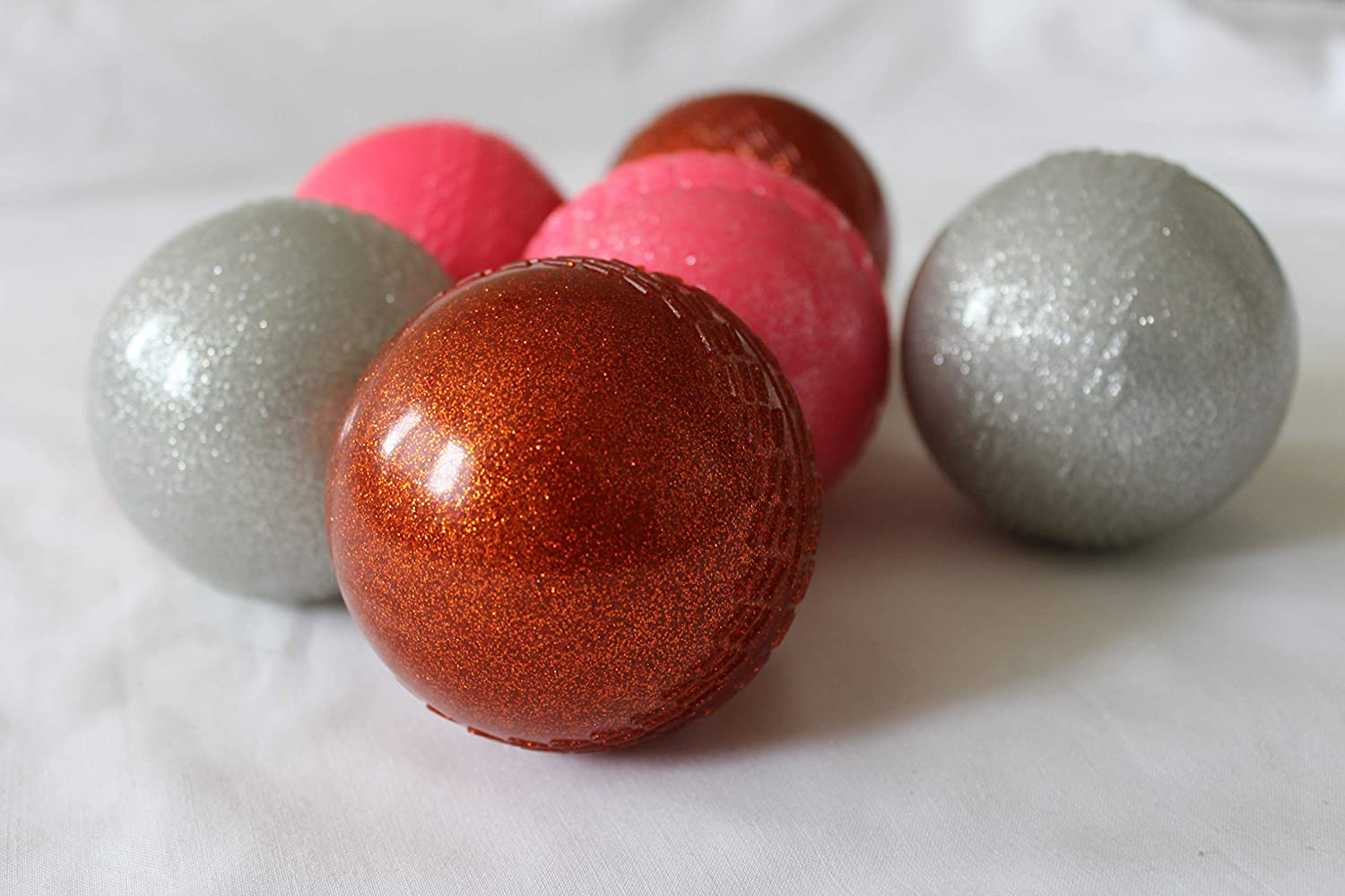 sports-24 Lot de 6 Boules Creuses de Cricket en cuivre Brillant, Couleur Rose, argenté, pour Adulte, Junior, Junior, Junior, Assortiment de Couleurs Assorties