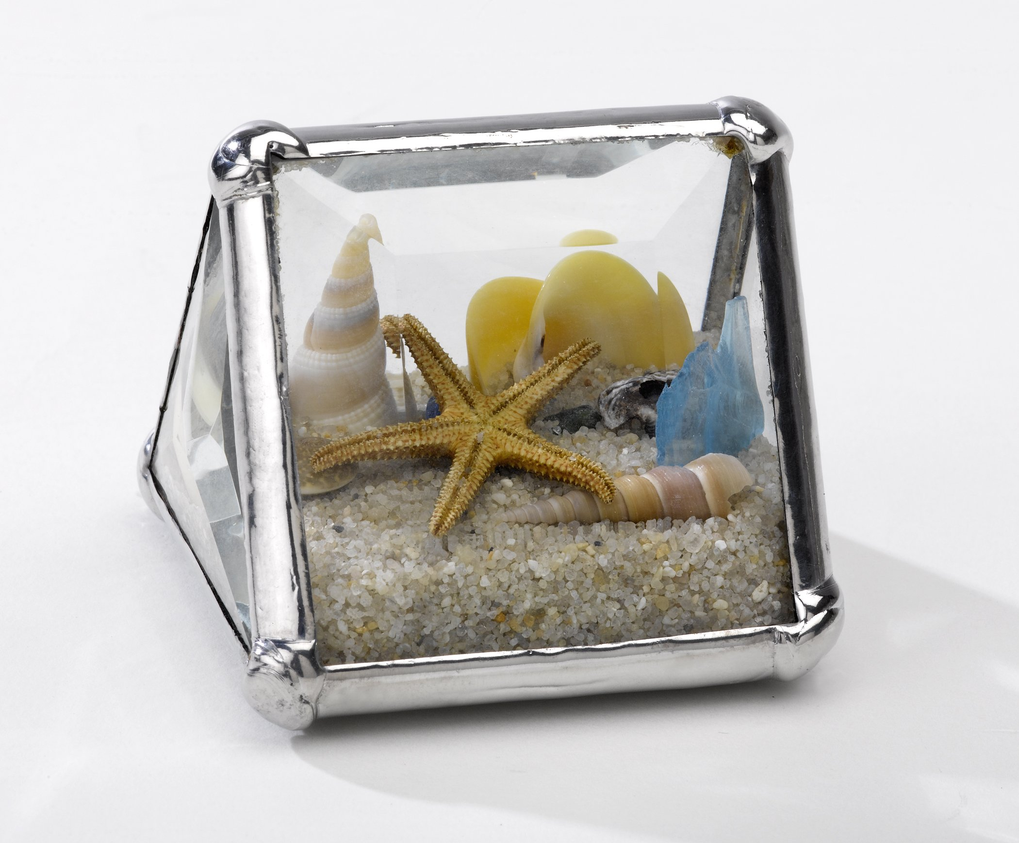Christina Home Designs Beach Gifts - Mini 2'' Beach Kaleidoscope Tent - Small Collectable Ocean Sand Theme, Coastal Decor for Bathroom, Accessories, Paperweight - Compact Vacation Gift Ideas for Women