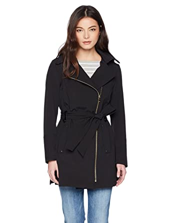 98eab80640d Amazon.com  Via Spiga Women s Petite Double Breasted Hooded Fit and Flare  Lightweight Trench Coat  Clothing