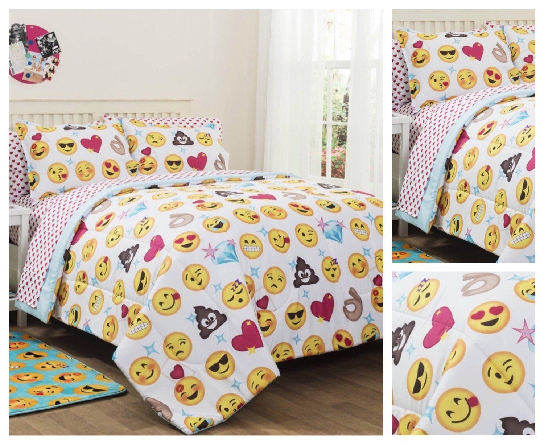 Emoji Girls Complete 5 Piece Reversible Bedding Comforter Set - Twin/Twin XL
