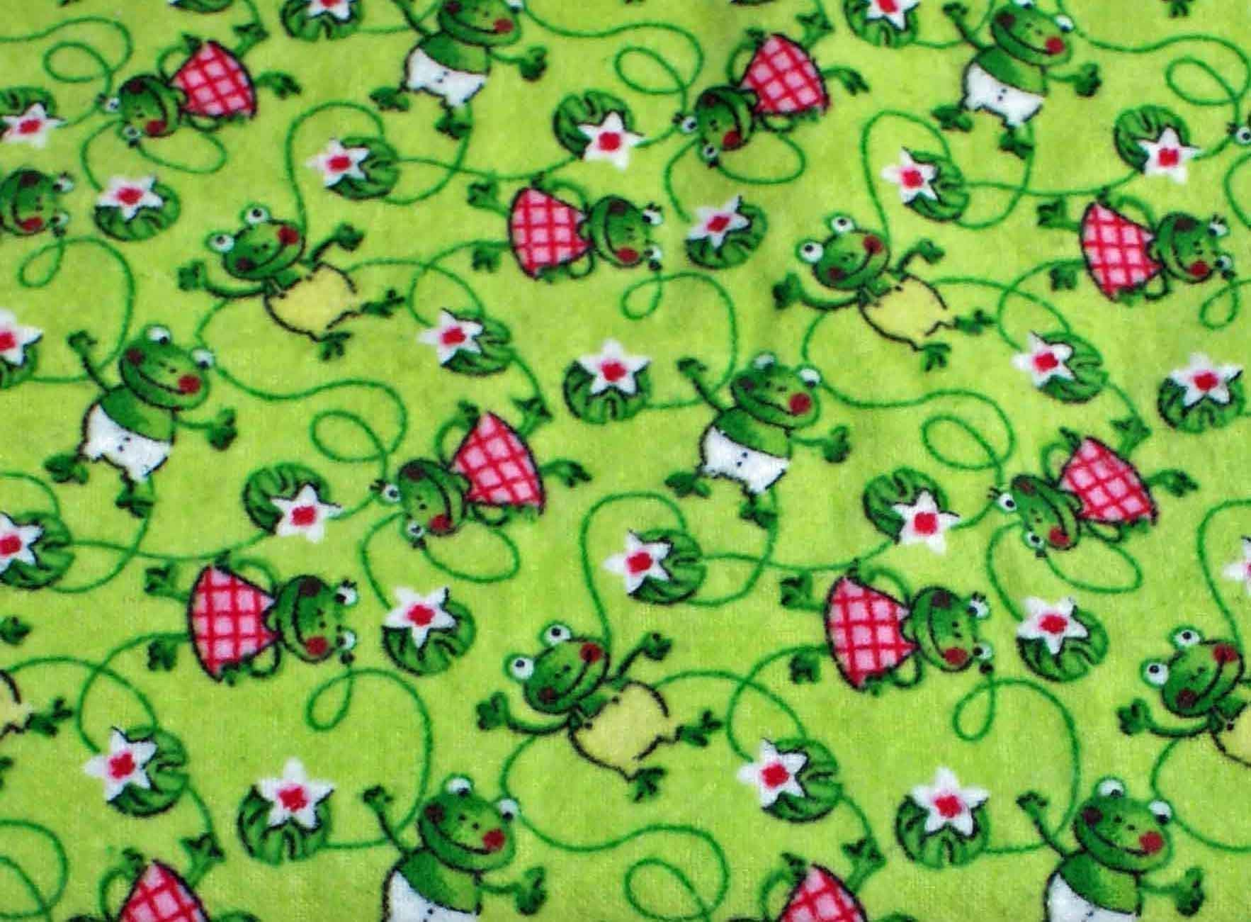 Pocket-2in1-Sheet Frog Pattern & Pale Yellow Flannel 2 in 1 Patented No Slip Reversible Pack n Play Play Yard Fitted Sheet Cover or Day Care Mini Crib Mattress Sheet