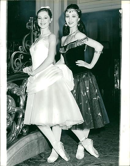 Amazon Vintage Photo Of Fiona Chadwick Entertainment Collectibles
