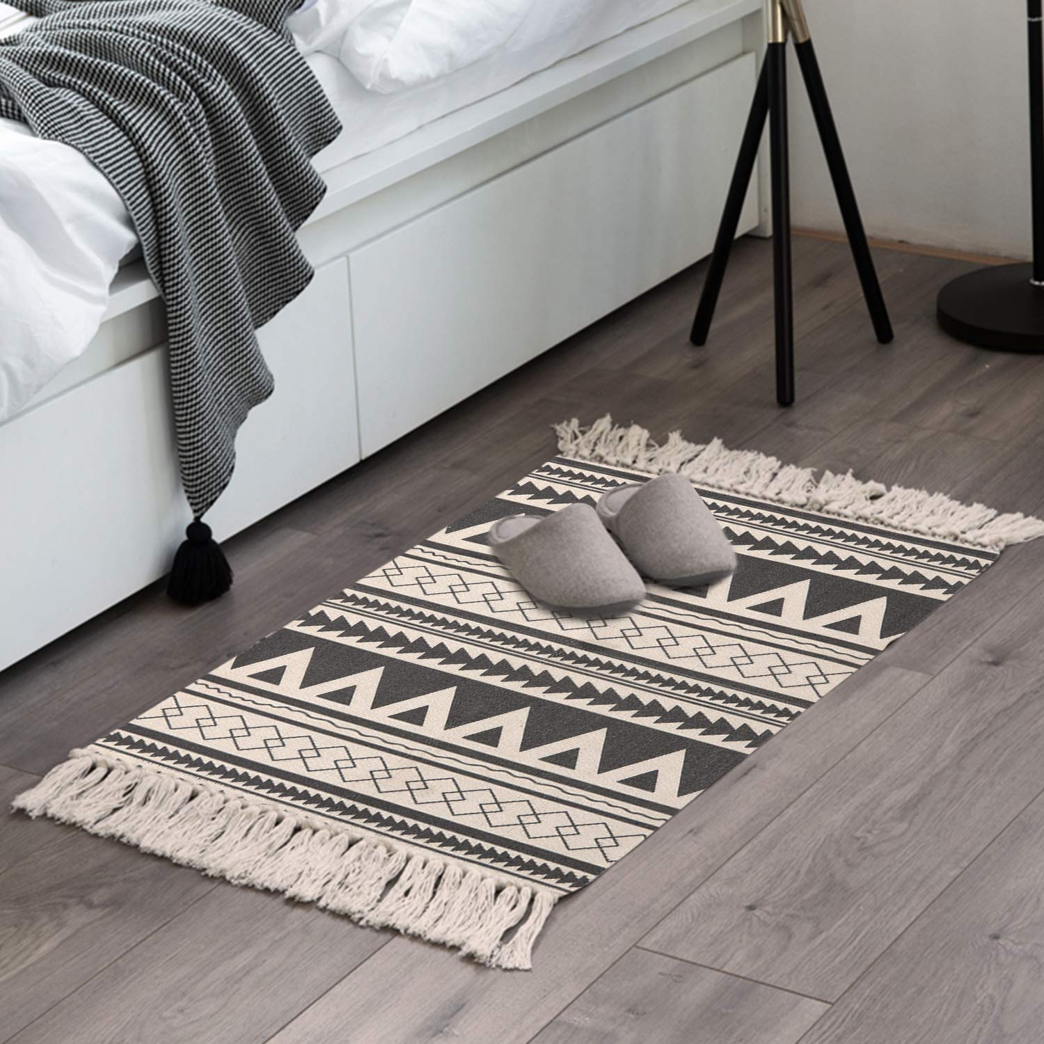 Kimode moroccan cotton area rug hand woven cream and black chic diamond print tassels throw rugs indoor door mat for bathroombedroomliving roomlaundry