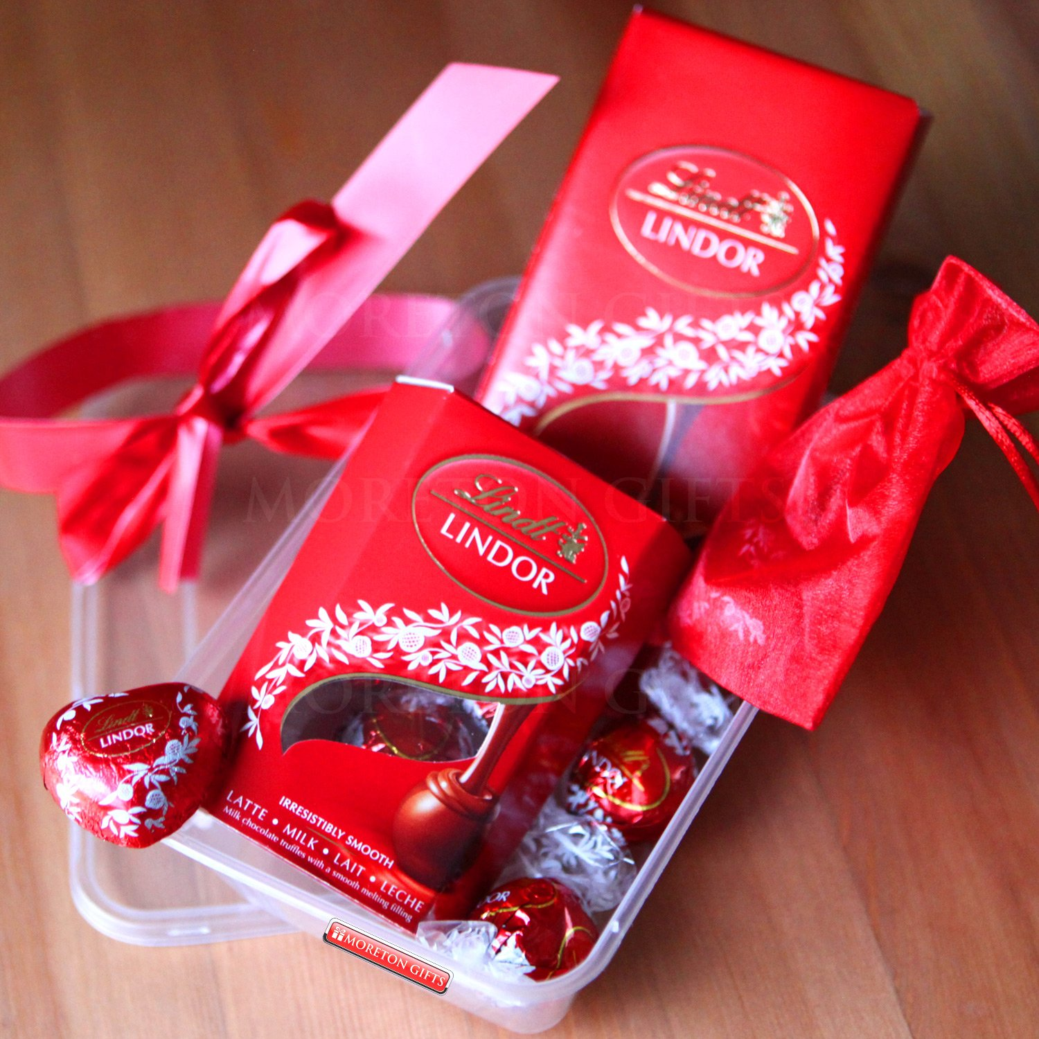 Lindt Lindor Treat Box - Romantic Gift, Father's Day - Lindt ...