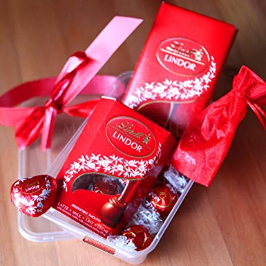 Lindt Lindor Treat Box - Romantic Gift, Father\'s Day - Lindt ...