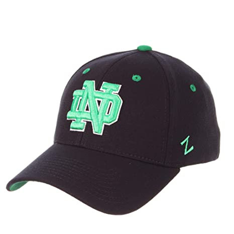 Amazon.com   ZHATS Notre Dame Fighting Irish Dark Navy Kelly Green ... 06b11a877ee