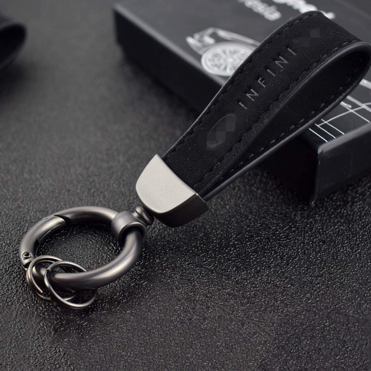 GeeGee Universal Leather Car Logo Keychain Fit for Honda Accord Civci CRV FIT Odyssey Pilot Key Chain Keyring Family Present for Man and Woman