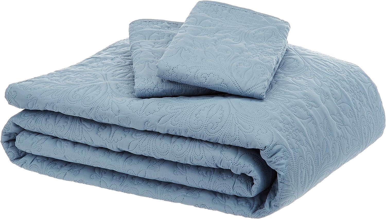 AmazonBasics Oversized Quilt Coverlet Bed Set - King, Spa Blue Floral