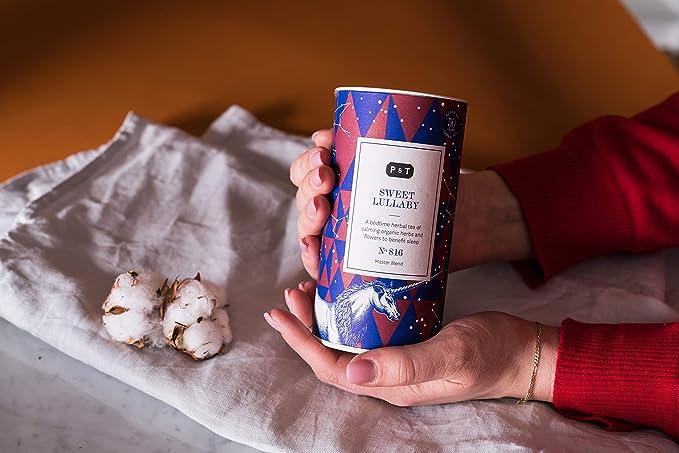 P & T Sweet Lullaby, Master Blend de Hierbas Orgánicas en Hebra a Granel, Mezcla para Dormir de Hierbas y Frutas, Sin Cafeína, Tarro con Estilo (50g / 1 ...