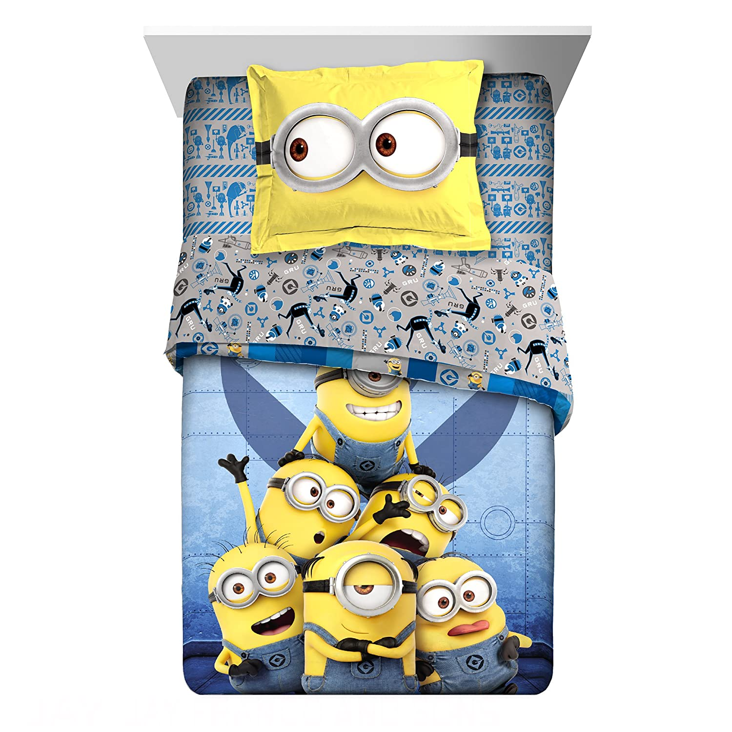Super Cute,Soft and Adorable Universal Minion Follow Mel 2 Piece Twin/Full Reversible Comforter with Sham,Delightful Addition to Kids Room,Great Gift for Fans,Blue/Yellow