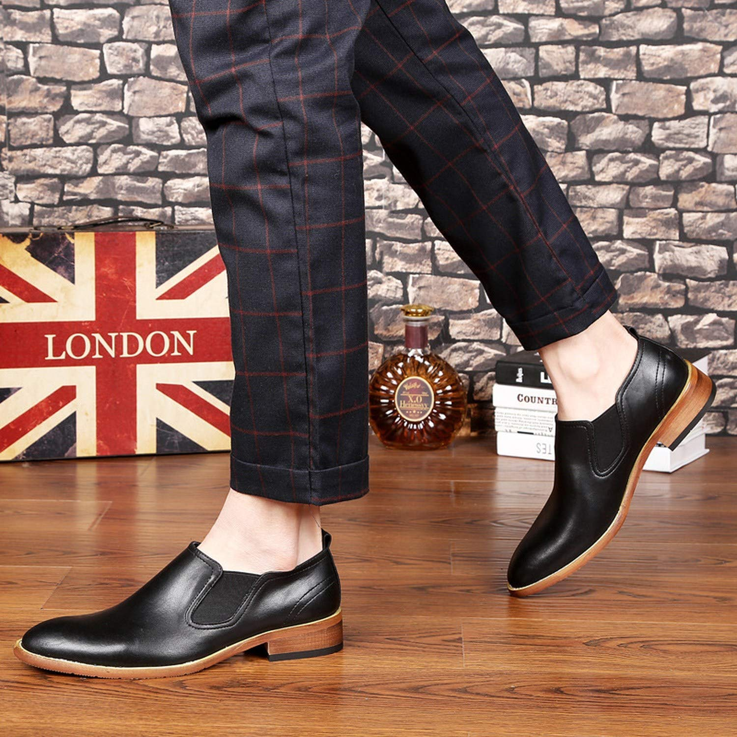 Mens Shoes Casual Spring Pointed to Slip On Shoes Men Loafers Vintage Split Leather Men Shoes Black Brown