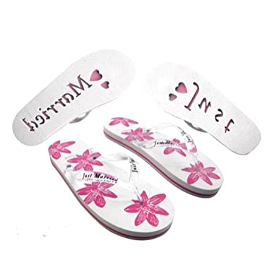 16bfb149ece947 Bride Boutique Just Married Mr   Mrs Bride   Groom Flip Flops Sandals  Wedding Gift (Womens White   Pink Size 3-4)  Amazon.co.uk  Shoes   Bags