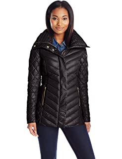 9d266d7ce72 Amazon.com  Eddie Bauer Women s Astoria Hooded Down Parka  Clothing