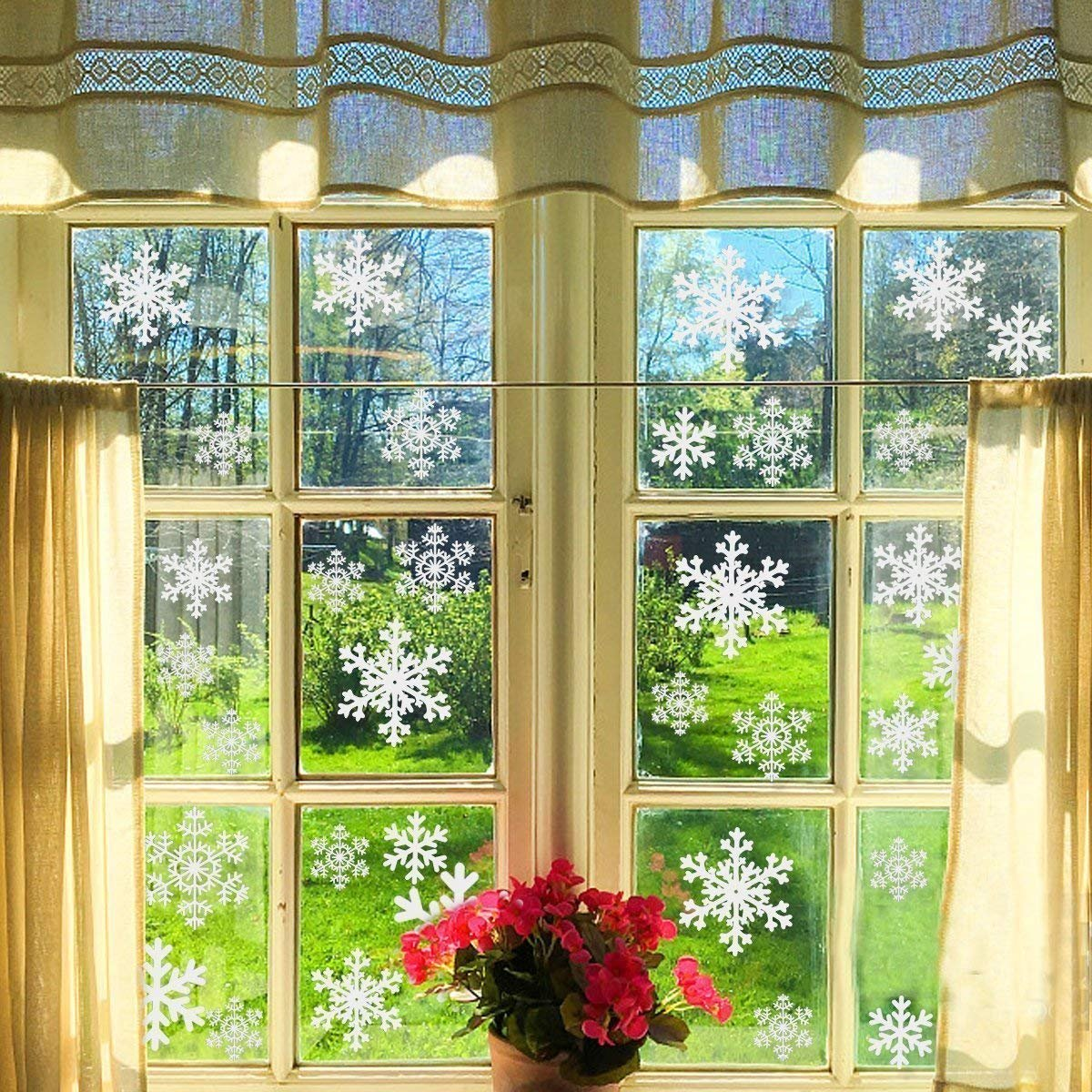 LeeSky 81Pcs White Snowflake Window Clings Christmas Snowflake Sticker Window Decorations -Christmas Holiday Home Decor WSS-037