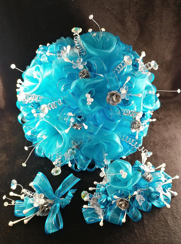 Amazon 15th quinceaera princess turquoise white flower amazon 15th quinceaera princess turquoise white flower bouquet set and corsage ramo para quinceaera 15 anos toys games izmirmasajfo