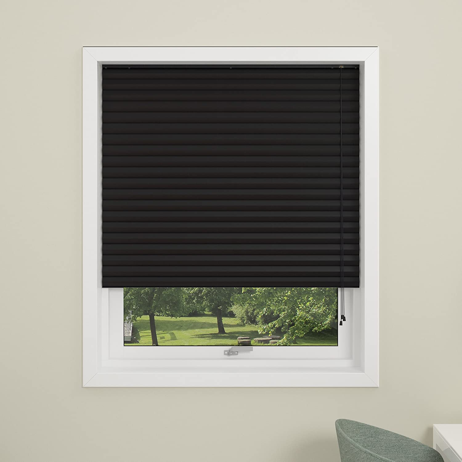 DEBEL 60 x 130 cm 100 Percent Polyester Honeycomb Blackout Pleated Blind, Black DECO GROUP 747600059