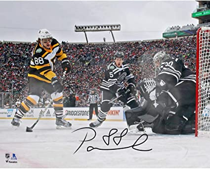 David Pastrnak Boston Bruins Autographed 16 quot  x 20 quot  2019 Winter  Classic Goal Photograph - db40f19e0