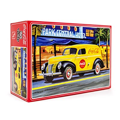 AMT 1940 Ford Coca-Cola Delivery Sedan - 1/25 Scale Model Kit - Buildable Vintage Vehicles for Kids and Adults: Toys & Games