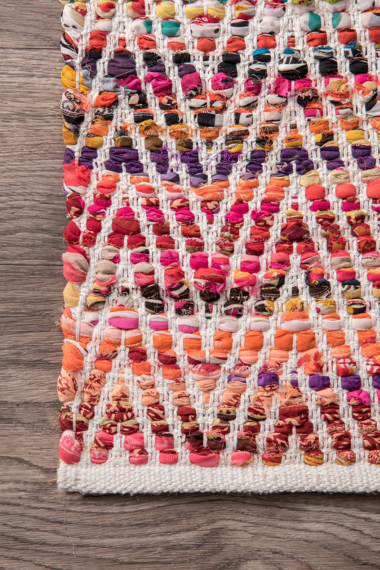 nuLOOM Hand Woven Candy Striped Chevron Area Rugs, 2' x 3', Magenta by nuLOOM (Image #3)