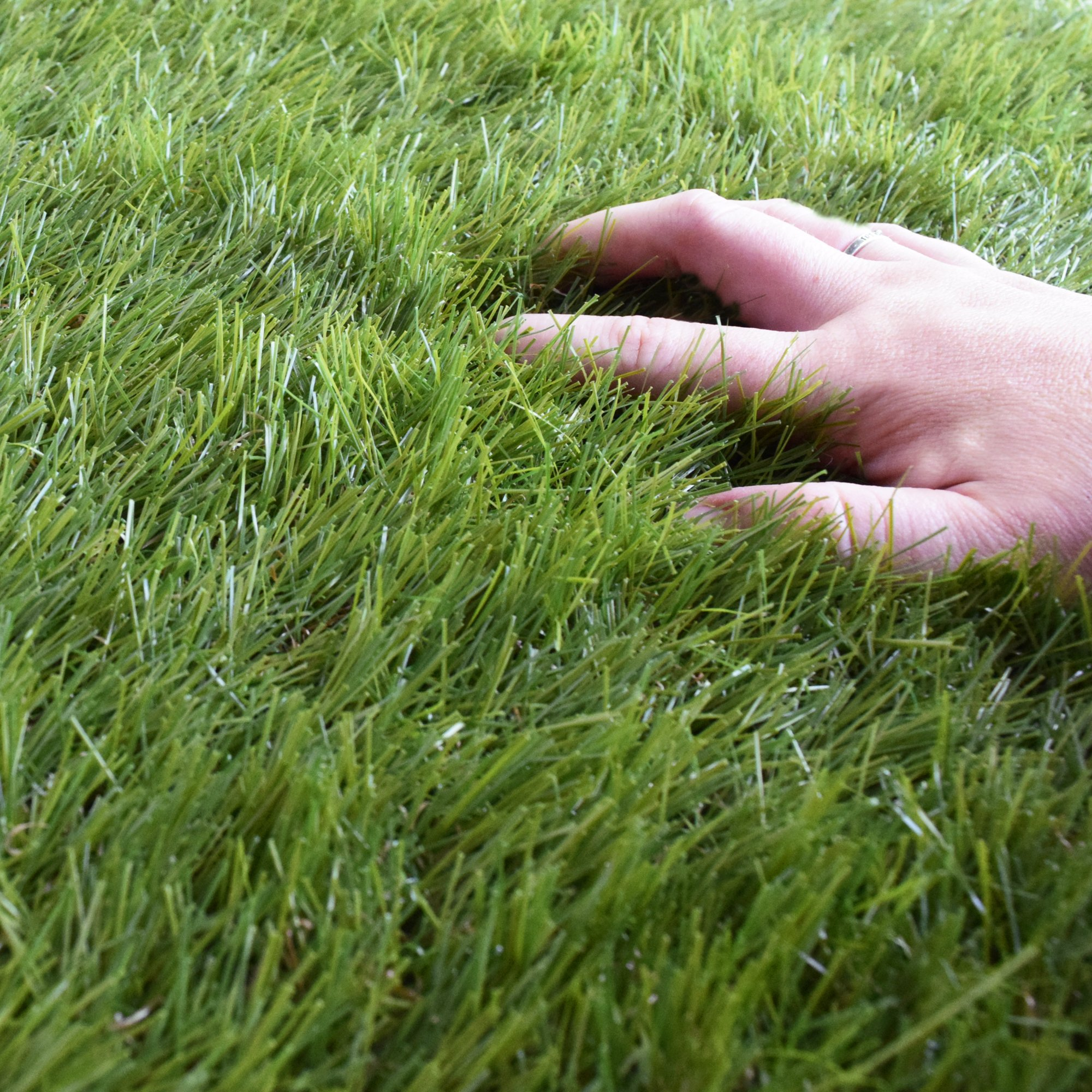 iCustomRug Deluxe Indoor/Outdoor Grass Shag Rug Great for Exterior Patio Or Lawn, 7' x 12' Made Ultra Thick and Soft