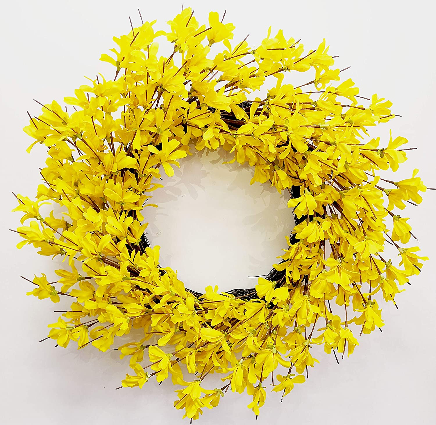 Amazon Com Huashen 24 Inch Yellow Forsythia Door Wreath For Rustic Summer Fall Farmhouse Front Door Decor Wreath Yellow Home Kitchen